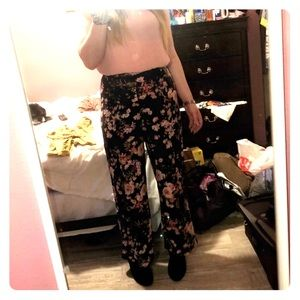 💚Floral patterned trousers